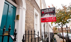Estate agent To Let sign on London street