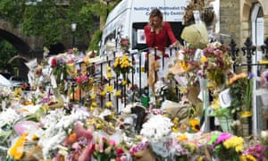 A makeshift memorial for the victims of the Grenfell Tower fire, 30 June 2017