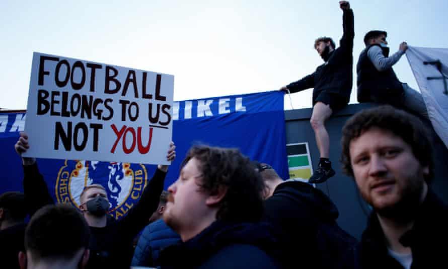 Fans celebrate as news broke that Chelsea were withdrawing from the breakaway European Super League