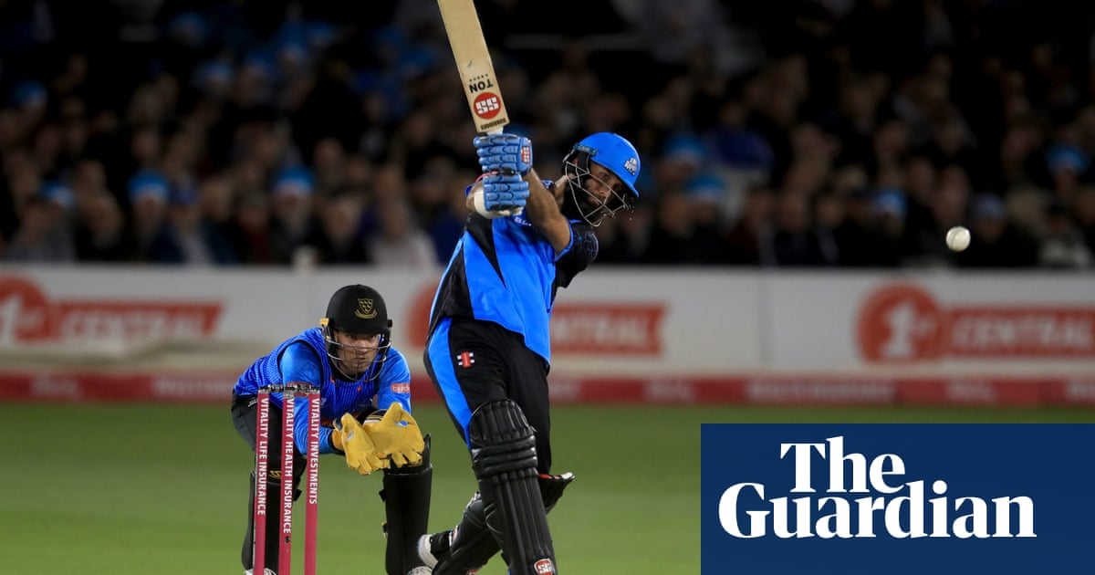 Moeen Ali century sinks Sussex and sends Worcestershire to T20 Finals Day