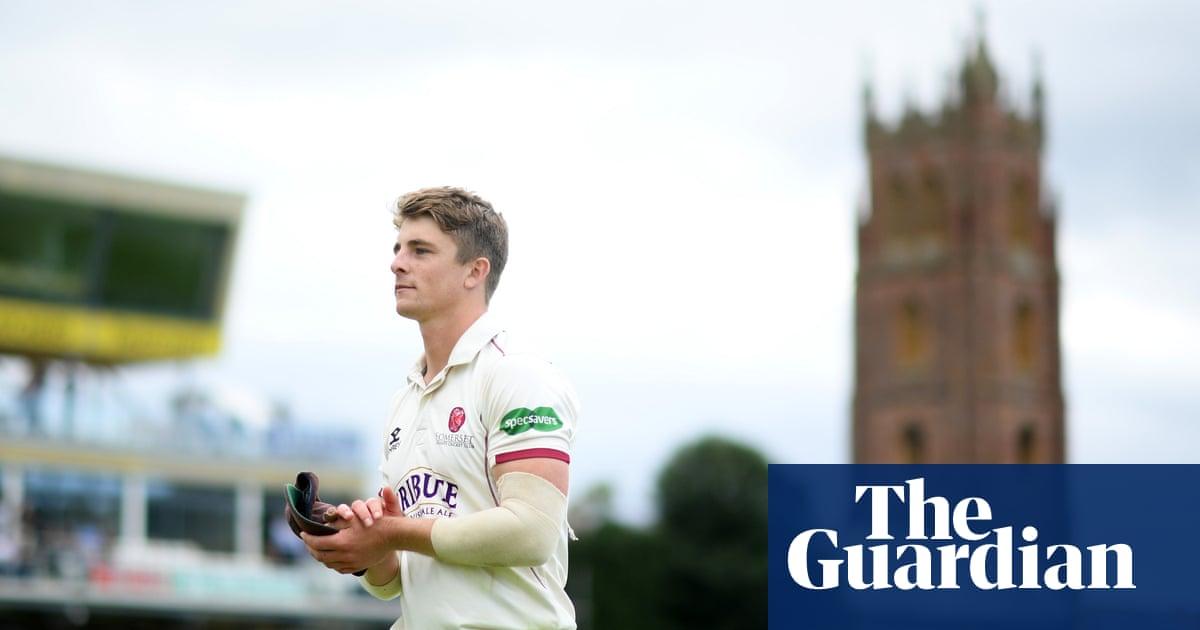 County cricket talking points: Somerset take advantage in title race