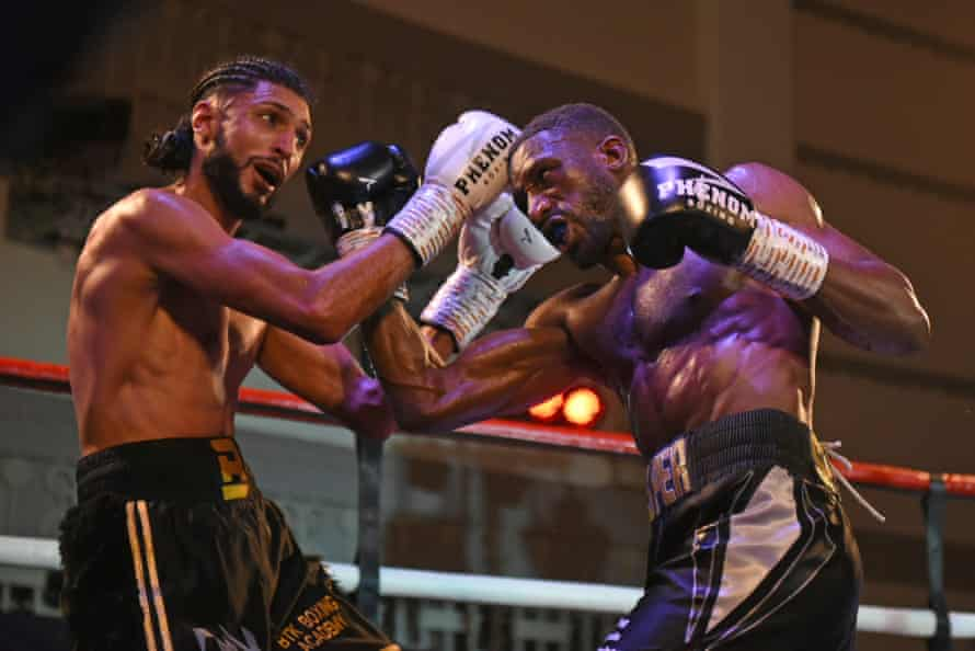 Kay Prosper (right) defeats Bilal Rehman at the Dunstable Conference Centre on 7 March 2020.