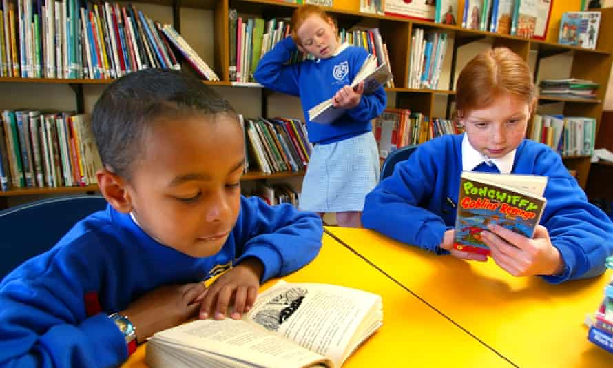 Bookworms … schools should encourage more reading time, says report.