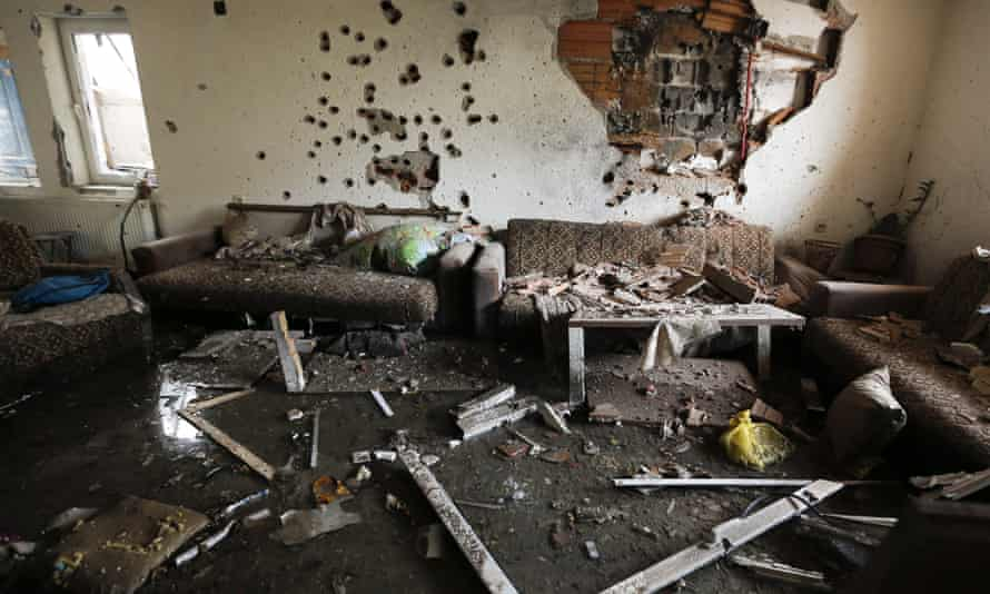 epa04742625 Interior view of a destroyed house in a neighborhood where a shooting took place between Macedonian police and an armed group in town of Kumanovo, 11 May 2015.At least eight police officers and 14 armed Albanians have been killed in a day-long gun battle in Kumanovo, a city in northern Macedonia, the Interior Ministry said on 10 May. Fighting in the ethnic Albanian town of Kumanovo, 40 kilometres north-east of the capital Skopje, has now subsided and the town is under police lockdown, Interior Ministry spokesman Ivo Kotevski said. EPA/VALDRIN XHEMAJ