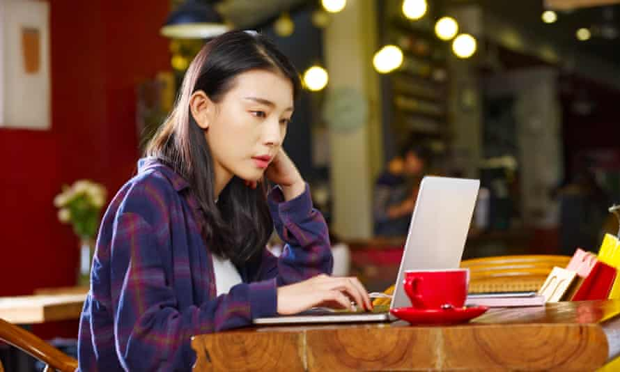 With so many options, choosing the right laptop for studying can be confusing, but follow these tips to get the best bang for your buck.