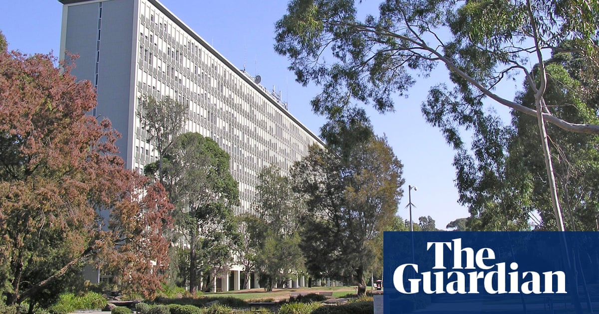 Monash University signs deal with Indonesian government as solution to overreliance on China