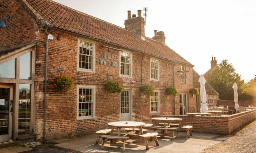 A smart, food-focused pub: the Alice Hawthorn.