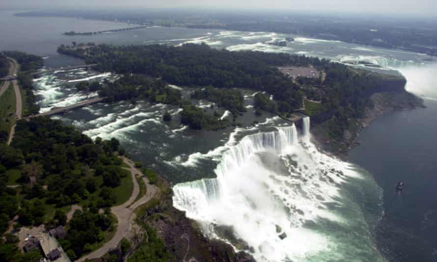 Some hope that dewatering the falls will boost tourism in otherwise slack months but others, including the local Haudenosaunee people, are unhappy at further meddling with nature.