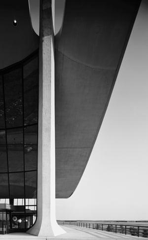 Dulles Airport. Eero Saarinen. Chantilly, VA, 1964