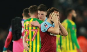 Mark Noble reacts at the final whistle as West Ham exit the FA Cup.