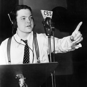 Orson Welles in a CBS recording studio, as seen in the documentary The Eyes of Orson Welles.