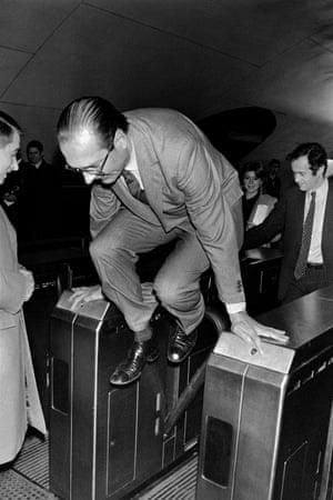 Jumping a Paris metro turnstile in December 1980