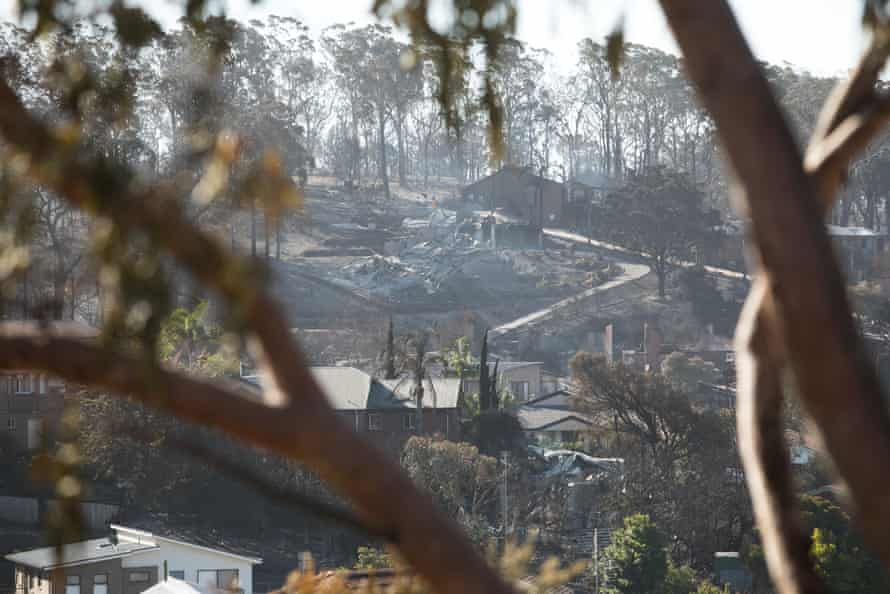 destroyed houses in Tathra bushire