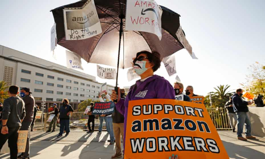 Union workers in Los Angeles rally in support of Amazon workers on 22 March.