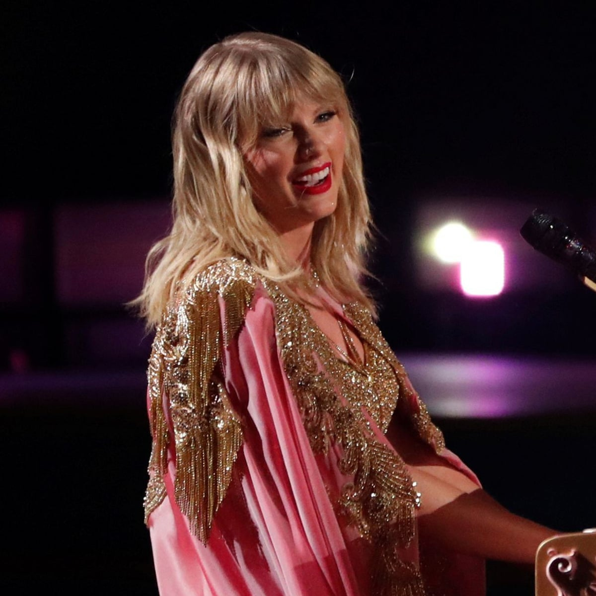 Taylor Swift Donates To Nashville Record Store Hit By Coronavirus Taylor Swift The Guardian