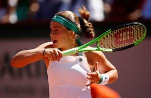 Jelena Ostapenko fights back to take the second set.