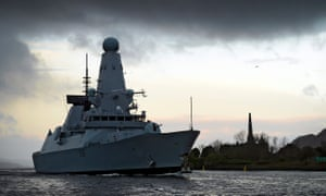 Type 45 destroyer arriving in Glasgow