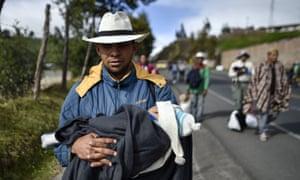 Venezuelan migrants on the road to Peru.