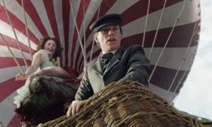 Felicity Jones and Eddie Redmayne in The Aeronauts