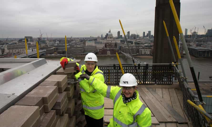 Sir Nicholas Serota lays the final brick of the new Switch House extension back in February.