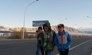 Children in the town of Tashkurgan.