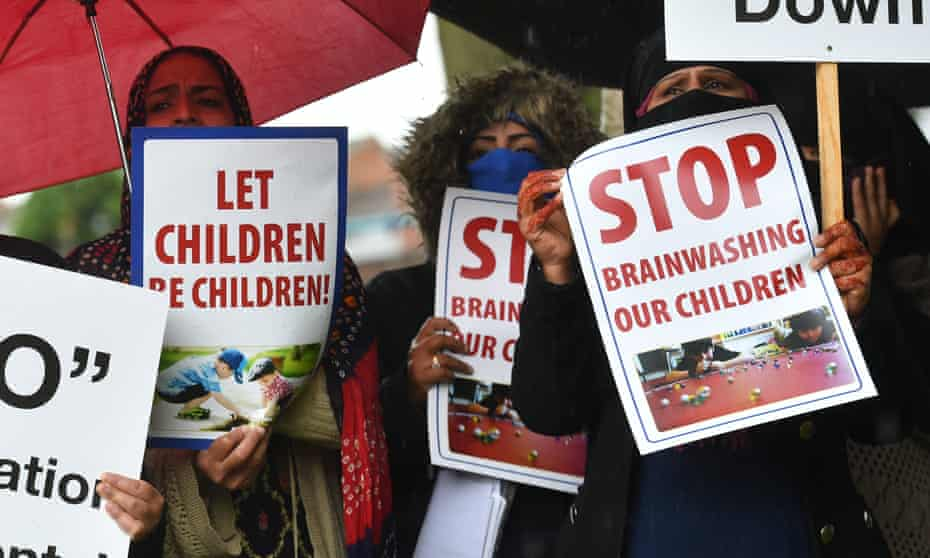 LGBT education protestsProtestors hold their first demonstration since an injunction was granted barring action immediately outside Anderton Park Primary School, in Moseley, Birmingham, over LGBT relationship education materials being used at the school. PRESS ASSOCIATION Photo. Picture date: Friday June 7, 2019. See PA story EDUCATION Anderton. Photo credit should read: Jacob King/PA Wire