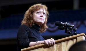 Scientists Advocates Hail Hillary >> Debra Messing And Susan Sarandon End Twitter Fight Over Hillary