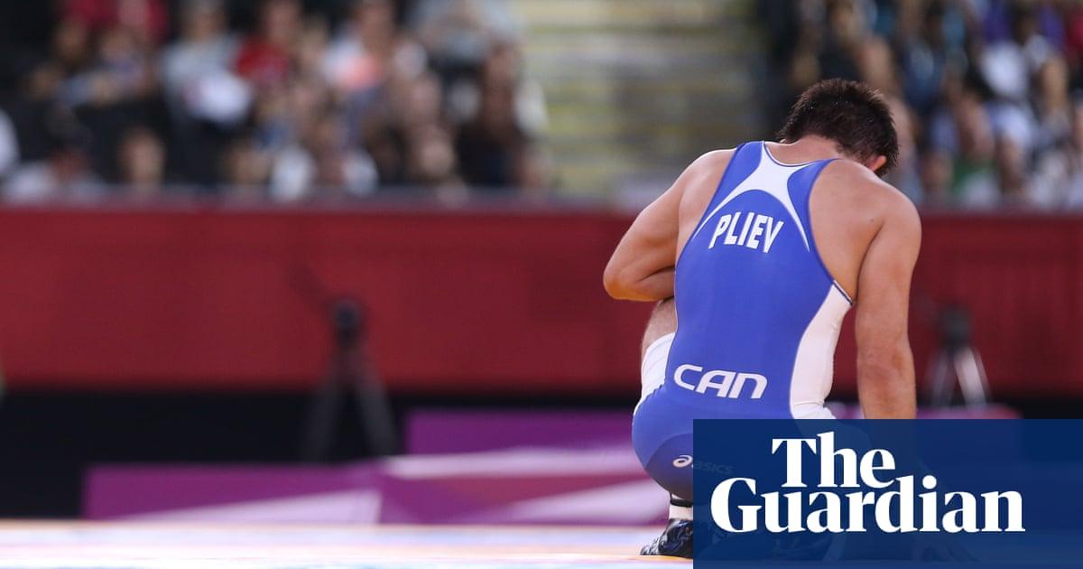 Former Olympic wrestler Khetag Pliev loses finger during MMA fight