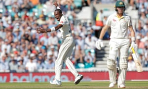 England's Jofra Archer celebrates after trapping Australia's Marnus Labuschagne (right) LBW.