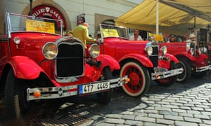 'Vintage' sightseeing cars in the old town of Prague