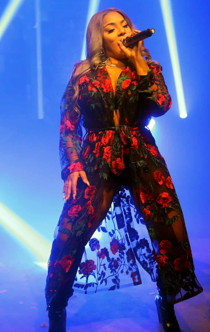 Browns East Launch PartyLONDON, ENGLAND - NOVEMBER 01: Stefflon Don (C) performs at the Browns east launch party at 1a Chance Street on November 1, 2017 in London, England. (Photo by Darren Gerrish/WireImage)