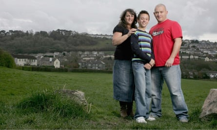 Tom Daley with his father Robert and mother Debbie at home in Plymouth in  2008