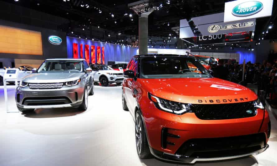 The 2017 Land Rover Discovery pictured at the 2016 Los Angeles Auto Show
