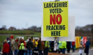 Protestors at shale gas fracking site at Little Plumpton, Lancashire
