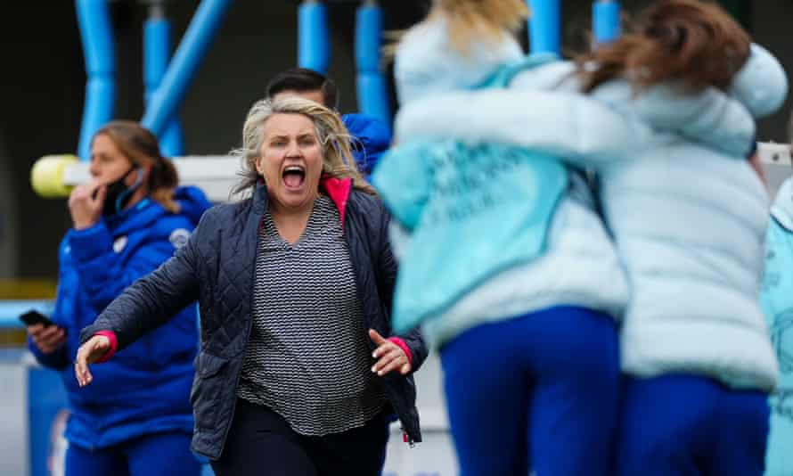 Emma Hayes celebrates following Chelsea's 5-3 aggregate win against Bayern Munich to reach the Champions League final.
