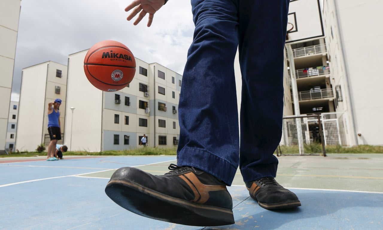 157eba3665fe World record for biggest feet squashed by Venezuelan man – video ...