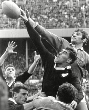 Colin Meads for New Zealand and Benoît Dauga for France during the 2nd Test at Wellington, 1968.