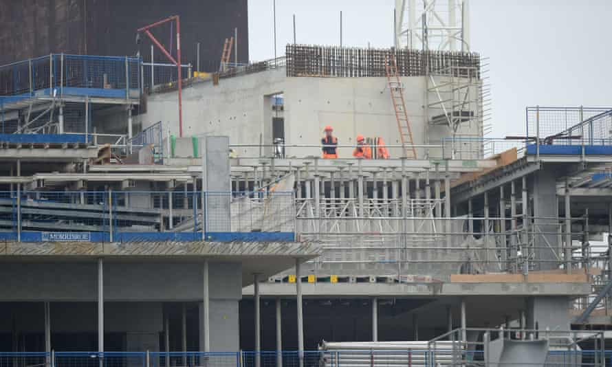 People working in construction