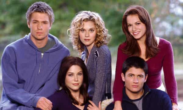 Sophia Bush and the rest of the cast of One Tree Hill.