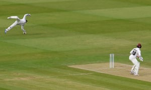 Essex wicketkeeper Adam Wheater takes the catch to dismiss Tom Abell of Somerset.