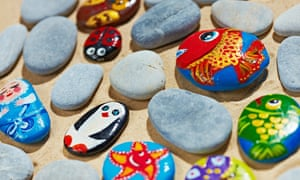 A UK-based pebble-painting group has amassed more than 64,000 members on Facebook.