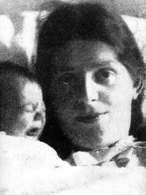Paula Modersohn-Becker with her baby in 1907.