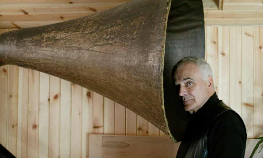 The late Peter Maxwell Davies, pictured on Orkney in 2004 with his garden gramophone.