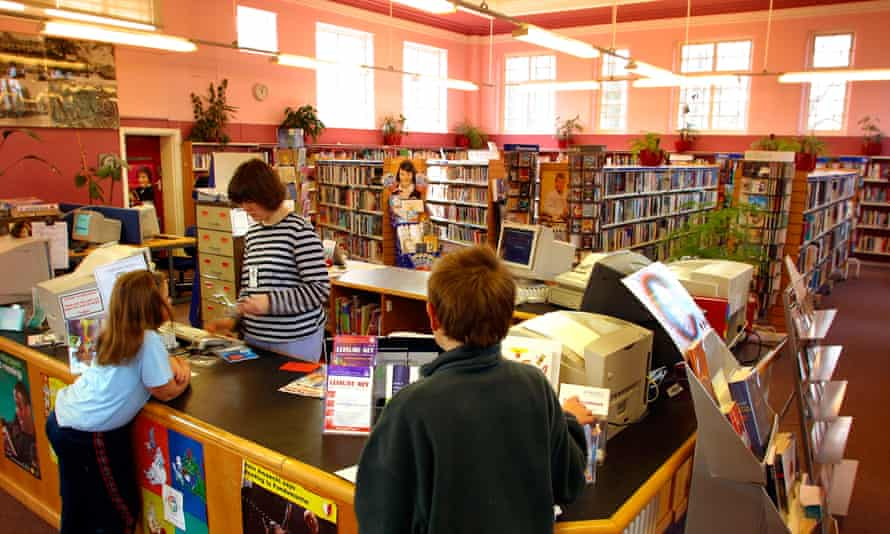 A volunteer working in a library