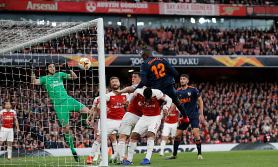 Mouctar Diakhaby capitalises on some woeful defending to give Arsenal an early jolt.