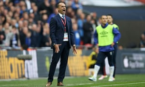 Roberto Martinez shows his frustration as Everton's hopes of a successful end to the season came to an end at Wembley on Saturday.