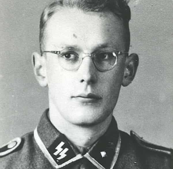 Gröning in an SS uniform