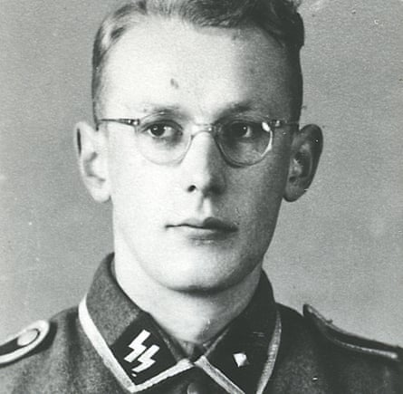 Gröning in an SS uniform