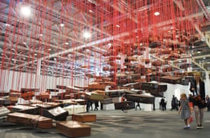 Chiharu Shiota's Accumulation, Searching for destination
