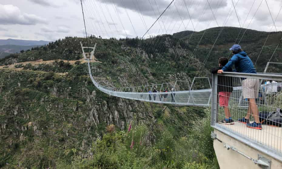 Oliver Balch and sons at 516 Arouca, the world's longest pedestrian suspension bridge